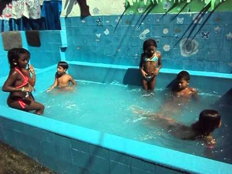 Primeiro Banho de Piscina 1º ano  2012