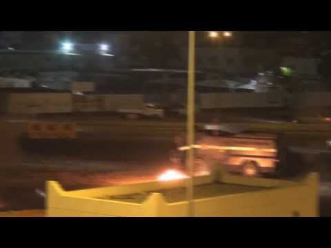 Bahrain : Violent clashes between demonstrators and riot forces in Sitra - February 5, 2014