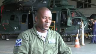 O Sargento Evaldo Bento Salvador Silva é consenso entre os militares do Esquadrão Falcão (1º/8º GAv). Casado e pai de 3 filhos, o mecânico é exemplo de dedicação no trabalho diário em Belém (PA), sede da unidade. Há 19 anos e 5 meses na Força Aérea, Bento nasceu em Santos Dumont (MG) e já foi mecânico do famoso T-27 Tucano e dos helicópteros H-1H e H-36 Super Puma, atuando em várias missões de Busca e Salvamento.
