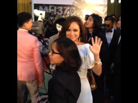 Anugerah Bintang Popular BH 2014 - Karpet Merah Nora Danish