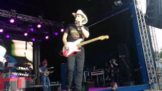 Big suprise at Brad Paisley concert!