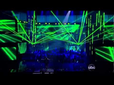 Enrique Iglesias & Ludacris - Tonight (I'm Lovin' You) - AMA Awards 2011 -AkFw3WkEfaY