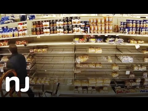 Time-lapse: Bread aisles get wiped out before a big snow storm