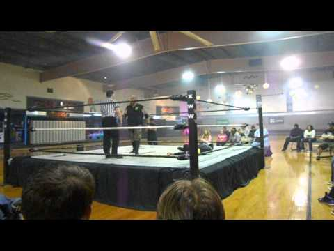 Xww elimination match Belton Creed more vs Victor