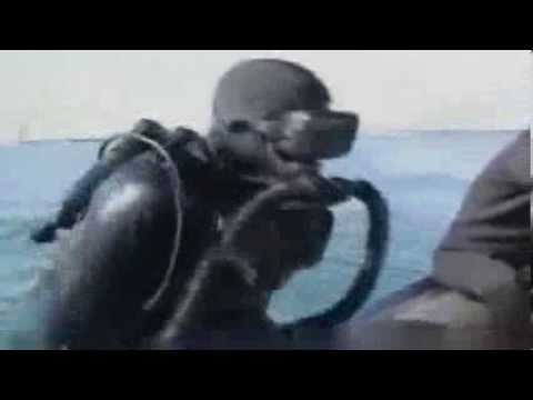IRGC divers exploding an enemy offshore platform in Persian Gulf انفجار پايگاه دشمن در خليج فارس
