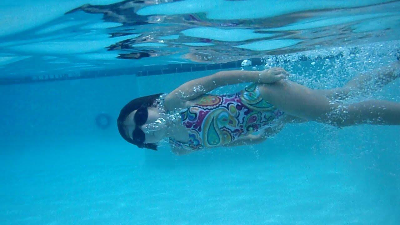 Little Mermaid Rylynn Swimming Fast Across The Pool Youtube