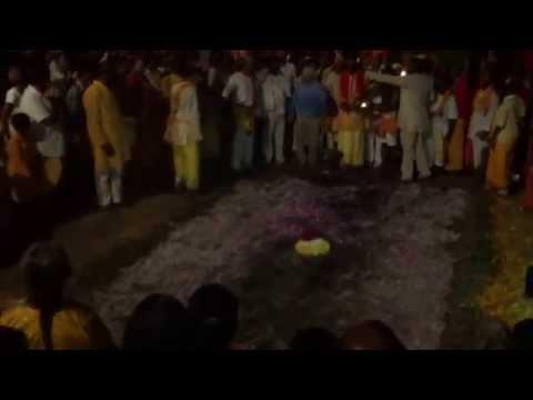 Marche sur le feu Association Temple Viraman Karly Bois de Nèfles 2014