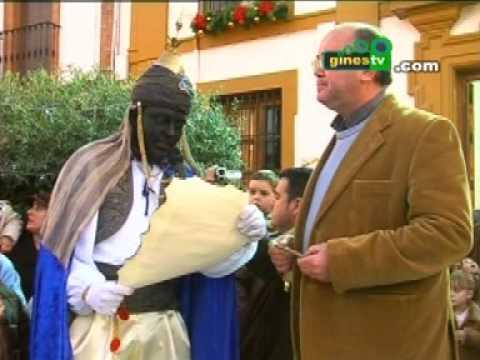 El Heraldo Real recibió las llaves de Gines como preludio de la Cabalgata de Reyes del 5 de enero