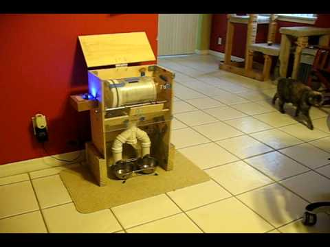 Automatic Wet Cat Food Dispenser Refrigerated