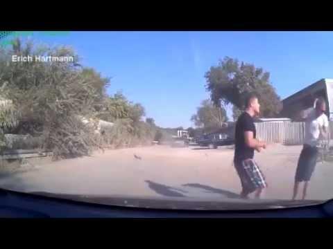 Драка на дороге Водитель побил донецких гопстопщиков - drakoff.ru