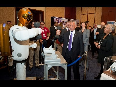 NASA training Robonaut to perform surgery
