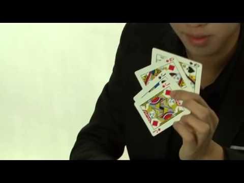 Ảo thuật gia J kể chuyện cổ tích bằng ảo thuật bài
