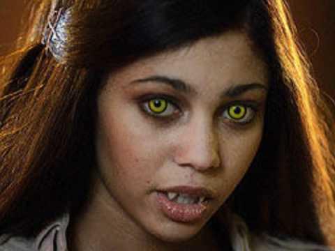 Mi Ni 241 Era Es Un Vampiro Video Fotos Youtube