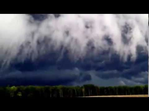 Crazy Viral Video |Terrifying storm clouds approach city | Natural Disaster