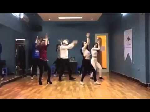 Hướng dẫn nhảy club dance cho tiệc tùng