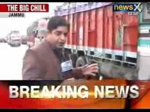 North Indian chills: Normal life in Kashmir disrupted due to heavy snowfall - NewsX