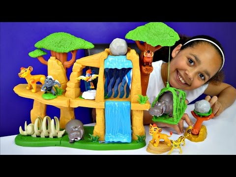 Disney Junior The Lion Guard Defend The Pride Lands Playset - Hide & Seek Figure Set