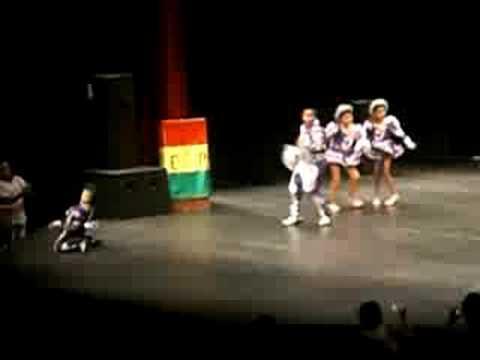 Festival de Ninos 2008-Fraternidad Folklorica  Bolivia