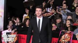 Photographer FREAKS OUT on me While Shooting Liam Hemsworth ...