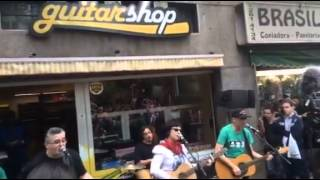 Pocket show Pato fu na Guitar shop