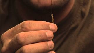 ::CARP FISHING TV:: Barbless Coated Braid Ready-Tied Rig Explained...