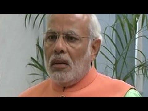 Narendra Modi: Does Sonia Gandhi wear skull cap?