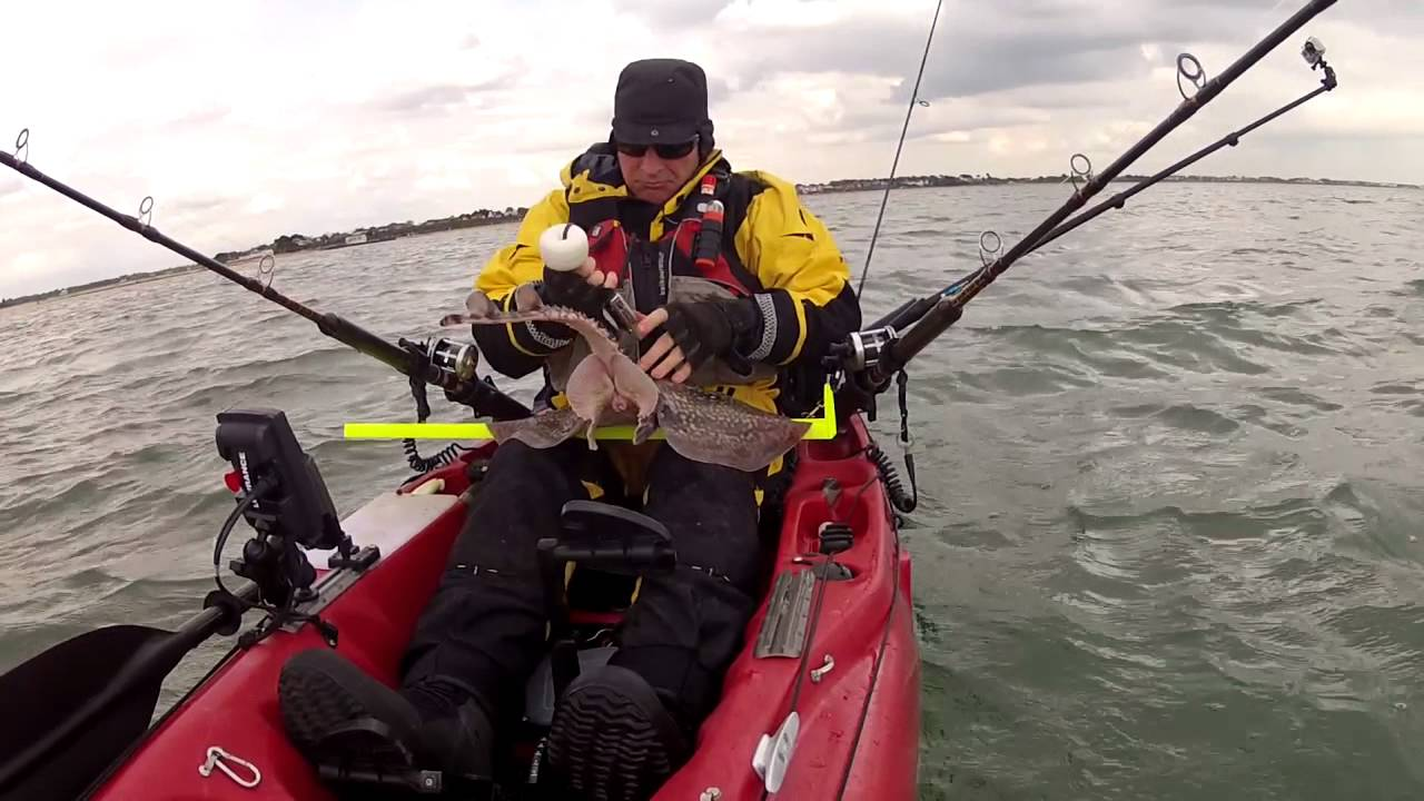 Kayak fishing solent thornback youtube for Youtube kayak fishing