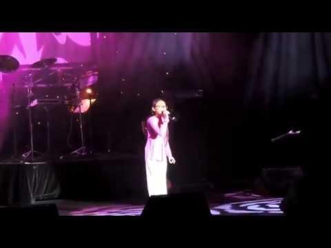 Quê Em Mùa Nước Lũ [live] - Phương Mỹ Chi tại Melbourne , Úc