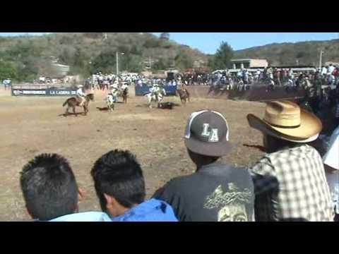 La Ladera 2007 -  banda zamorana de viento - Jaripeo parte 1 - Zamora Michoacan Mexico