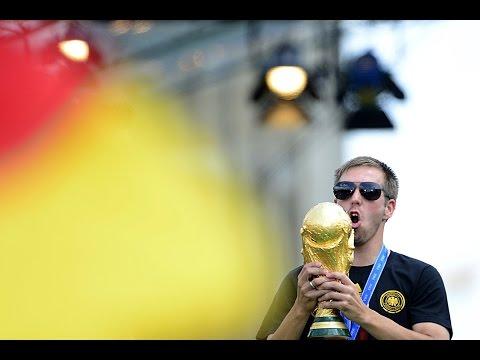 Rücktritt von Philipp Lahm: Geiler geht's nicht! | Reaktionen zum Ende in der Nationalmannschaft
