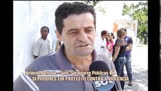 V�timas de assaltantes, funcion�rios de posto de sa�de fazem protesto em Venda Nova
