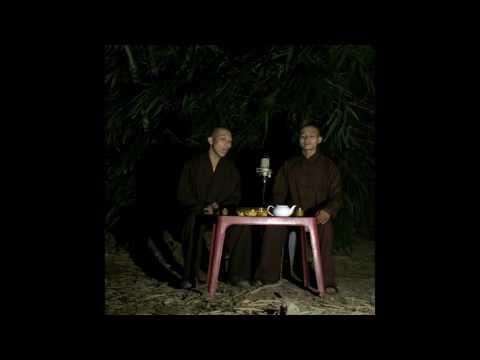 Giã Từ Vũ Khí ... Hai thầy hát như Chế Linh, Giang Tử ... Thấm ! Đâu phải nhạc tiền chiến dễ hát .