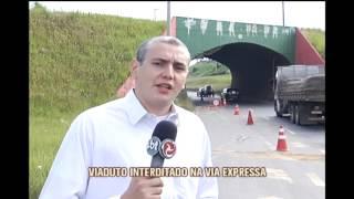 Carreta danifica t�nel e trecho fica interditado em Contagem