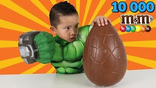HULK SMASHING 10000 M&M's Chocolate Toys Surprise Egg Ckn Toys