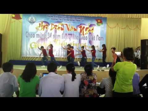 Nhảy dân vũ ABC, Doraemon, Happy Lớp 7/3 nhảy
