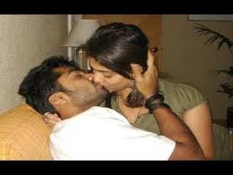 CAUGHT :  Virat Kohli & Anushka Sharma's ROMANCING