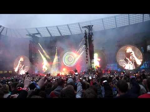 Coldplay opening: Mylo Xyloto & Hurts Like Heaven, Etihad Stadium 2012 (Xylobands)