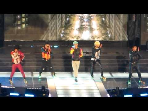 Big Bang - Blue (LIVE) @ K Collection In Seoul - 3/11