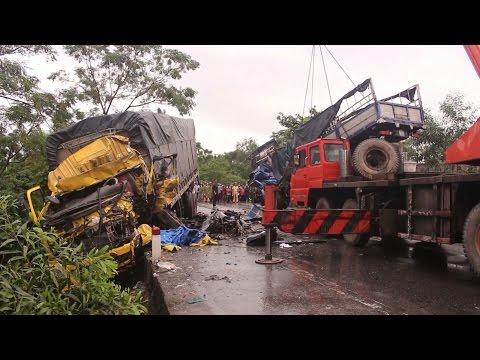 Thừa Thiên - Huế: Tai nạn giao thông nghiêm trọng, năm người bị thương vong