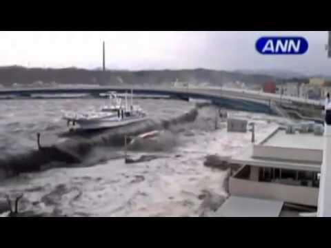 Sức mạnh tàn bạo của sóng thần tại Nhật bản