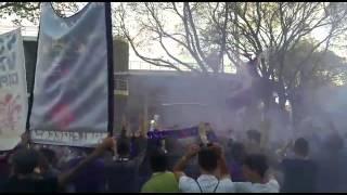 Fumogeni e cori, Firenze carica la Fiorentina