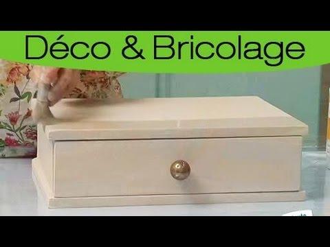 repeindre un meuble en bois laqu blanc youtube. Black Bedroom Furniture Sets. Home Design Ideas