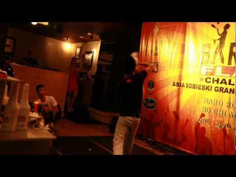 Bar Pro Flair Challenge Asia 2011- Vietnam final - Pham Dinh Song
