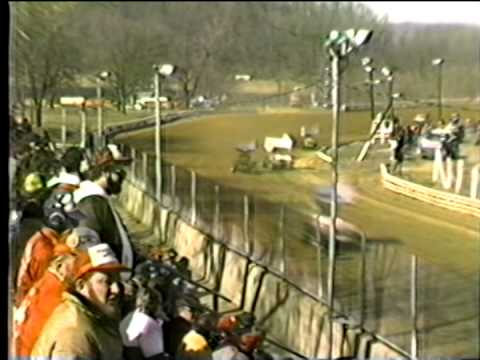 vintage 1985 sprint cars from Port Royal Speedway warm ups and  heat race action