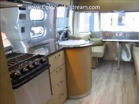 2014 Airstream Flying Cloud 27FB Camping Trailer Land Yacht 28 Size RV Glamping