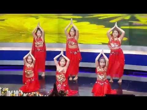 Phương Linh múa Made in India tại đài PTTH Hà Nội