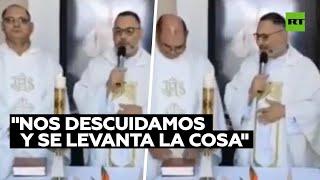 Ataque de risa de sacerdotes en misa