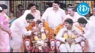 Sankranthi Movie Songs - Chakkani Maa Annayya Ku Song - Venkatesh - Arti Agarwal - Sneha - Srikanth view on youtube.com tube online.