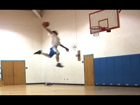 "The BEST DUNKER In The World  11Million views Team Flight Brothers Dunk Legend T-Dub  5'9"", Follow us on twitter http://www.twitter.com/teamflightbros 2007 YouTube Awards: Best Sports Video Nominee Please vote for us at http://www.youtube.com/ytawar..."
