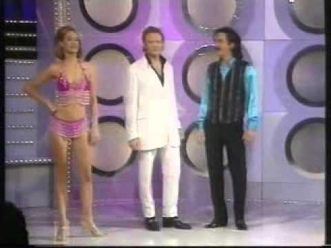 Steve Coogan as Tony Ferrino with Mick Hucknall